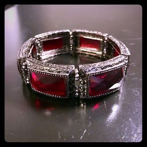 Vintage style, stretch Statement Bracelet.